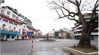 Phố phường Thủ đô vắng bóng người ngày đầu thực hiện xử phạt người ra đường không cần thiết