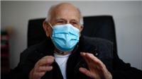 Bác sĩ 99 tuổi không 'nghỉ hưu' để giúp đỡ các bệnh nhân COVID-19
