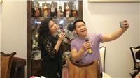 Nhạc sĩ Phú Quang chăm chú xem Thanh Lam, Trọng Tấn vừa tập nhạc vừa 'tự sướng'