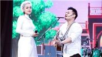 'Yêu nữ' Vũ Hạnh Nguyên để tóc trắng, mặc áo dài hát live 'Em trong mắt tôi' với Nguyễn Đức Cường