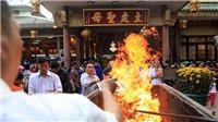 VIDEO: Singapore ứng xử với tục đốt vàng mã như thế nào?