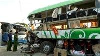 Xe khách va xe máy tối 8/3 khiến một trẻ em tử vong tại chỗ