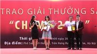Trao Giải thưởng Sách Chạm lần 1 năm 2018: 100 triệu đồng cho 'Ông giáo làng' Nguyễn Thế Vinh