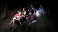 9h tối nay, đội bóng thiếu niên Thái Lan sẽ được thợ lặn giải cứu khỏi hang Tham Luang