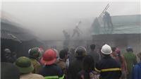 Khống chế được đám cháy lớn gần chợ Vinh, Nghệ An