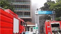 Dập tắt vụ cháy lớn tại công trình xây dựng Bệnh viện Việt Pháp