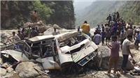 Xe buýt lao xuống vực sâu, 39 người thiệt mạng