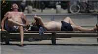Nắng nóng tiếp tục 'thiêu đốt' các nước Tây Âu với mức nhiệt cao kỷ lục