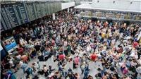 Hủy hơn 200 chuyến bay do người lạ xâm nhập, biến mất không dấu vết