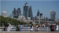 Lương cơ bản của người dân Anh tăng mạnh nhất trong gần một thập kỷ