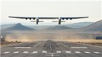 Chiếc máy bay 2 thân và 6 động lớn nhất thế giới lần đầu cất cánh tại Mỹ