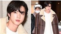 Jin BTS biến sân bay thành sàn diễn với thần thái như siêu mẫu