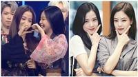 Jisoo và Jennie Blackpink có màn 'lệch pha' hài hước ngay trên sóng truyền hình