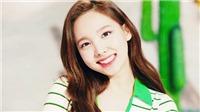 9 lần chị cả Nayeon Twice lệch tông dễ thương với cả nhóm