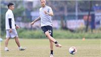 Geovane tập buổi đầu tiên, Hà Nội FC tìm người thay Rimario