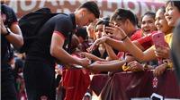 Khen ngợi Văn Lâm, CĐV Muangthong United đòi sa thải HLV