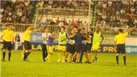 HLV HAGL 'chê' BHL Hà Nội FC, HLV Chu Đình Nghiêm từ chối dự họp báo