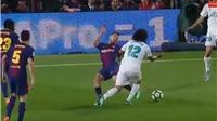 QUAY CHẬM: Alba đá thẳng vào chân trụ Marcelo, vẫn không có phạt đền cho Real Madrid
