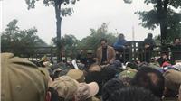 CẬN CẢNH: Trụ sở VFF 'thất thủ' vì đám đông bao vây đòi mua vé