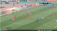 VIDEO: Văn Quyết volley tung lưới Sơn Đông, kết thúc gọn gàng pha phối hợp như mơ của Hà Nội