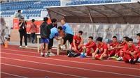 U22 Việt Nam chờ tập, HLV Park Hang Seo phải nhờ bác sĩ chăm sóc