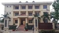 Miễn nhiệm Chủ tịch Hội đồng nhân dân thị xã Gia Nghĩa, tỉnh Đắk Nông vì không có bằng đại học