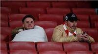 Nửa sân Emirates bị bỏ trống, Arsenal- Man City như trận đấu của đội bóng nhà trường