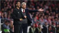 Wenger trách bóng đá 'tàn nhẫn', khen màn trình diễn của Arsenal dù bị loại
