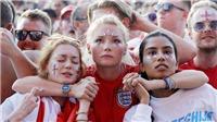 CHÙM ẢNH: Nước mắt của hàng vạn CĐV Anh khi bóng đá không thể về nhà