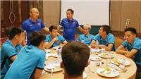 CẬP NHẬT tối 22/8: HLV Park Hang Seo rớm nước mắt chia tay Hùng Dũng. Mourinho họp khẩn toàn đội
