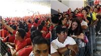CĐV Việt Nam bức xúc vì có vé nhưng bị cướp chỗ trên khán đài Bukit Jalil