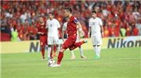 VIDEO: Quế Ngọc Hải đá penalty cực dị, ăn mừng như thần tượng Sergio Ramos