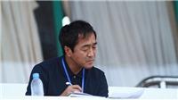 HLV Lee Young-jin xuống sân động viên cầu thủ U22 Việt Nam, từ chối trả lời phỏng vấn