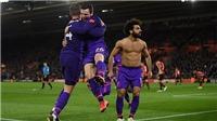 Salah ăn mừng quá phấn khích, biến 2 đồng đội thành trò cười