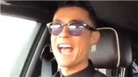 VIDEO: Ronaldo trổ tài hát nhép khiến fan thích thú