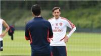 Trực tiếp bóng đá Brighton vs Arsenal: Pháo thủ đang đốt tiền vì Mesut Oezil