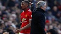 Bênh học trò, Jose Mourinho nổi đóa với lãnh đạo M.U