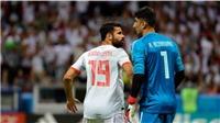 TRANH CÃI: Diego Costa đáng nhận thẻ đỏ trước khi ghi bàn thắng cho Tây Ban Nha