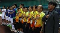 Thầy Park nói HLV trẻ khó thành công ở Việt Nam, CĐV Nam Định góp tiền trả lương cầu thủ