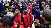 'Biển người' chào đón tuyển Việt Nam về nước, Malaysia phải nỗ lực gấp đôi