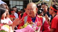 Tuyển Việt Nam được chào đón nồng nhiệt tại UAE, báo Trung Quốc tin thầy trò HLV Park vượt qua vòng bảng