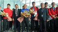 Tuyển Việt Nam lên đường sang Qatar, thực hư chuyện 5 CLB Hàn Quốc 'săn' HLV Park Hang Seo