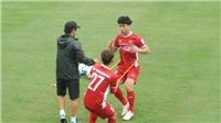 HLV Park Hang Seo trực tiếp 'chỉnh' cho Công Phượng