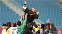 Bóng đá Việt Nam ngày 15/6: VFF sẽ tái ký hợp đồng và tăng lương cho HLV Park Hang Seo