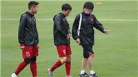 Bóng đá Việt Nam ngày 26/4: 'Thần y' Hàn Quốc sát cánh cùng tuyển Việt Nam