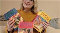 Đi mua sách từ thiện, fan Harry Potter vô tình kiếm được... vài tỷ