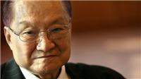 Lật lại cuộc tranh cãi về Kim Dung: 'Bịt mũi' khi đọc Thiên Long Bát Bộ