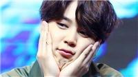 Phụng phịu hờn dỗi ở sân bay, Jimin BTS lại khiến fan đau tim