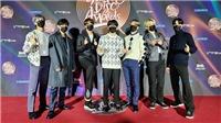 BTS tri ân nhau sau một năm vất vả trên sân khấu Giải Đĩa vàng