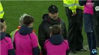 Cậu bé nhặt bóng của Everton mỉa mai Juergen Klopp và cái kết
